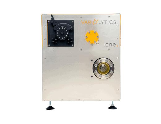 Vorderseite des Flüssiganalysators und Massenspektrometers Vario one in einem kompakten, quadratischen Design.