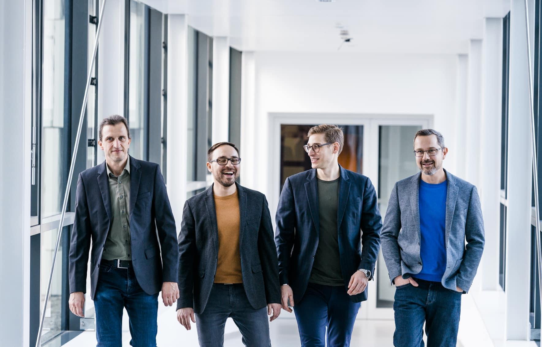Die Unternehmensgründer von Variolytics Stephan Scherle, Dr. Matthias Stier, Johann Barlach und Steffen Görner (von links nach rechts).